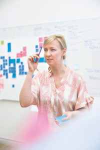 """""""Työtä, jota aloin tehdä, ei ollut olemassa. Mikään järjestö tai yritys, joka työskenteli kehittyvissä maissa, ei osannut luovaa ongelmanratkaisua"""", Mari Tikkanen sanoo."""