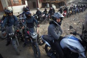 Viisi kuukautta kestänyt sulku Intian vastaisella rajalla päättyi helmikuussa 2016. Se lyhensi hieman polttoainejonoja Nepalinpääkaupungissa Kathmandussa.